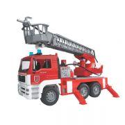 Wóz strażacki MAN z drabiną i sygnałem