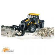 Traktor JCB Fastrac 3220 z ładowaczem