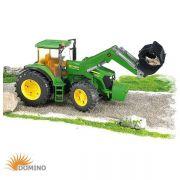 Traktor John Deere 7930 z ładowaczem