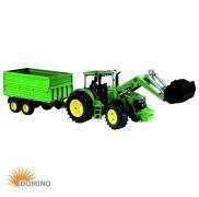 Traktor John Deere z ładowaczem i przyczepą